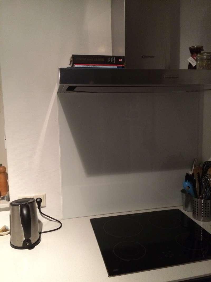 Glasplaat Voor Aan De Muur.Glasplaat Tegen Keuken Muur Putten