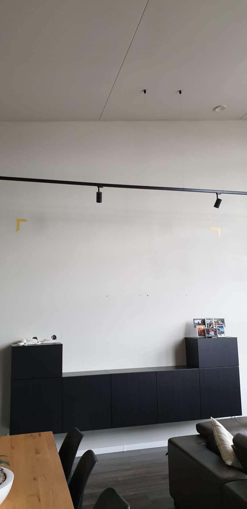 Ikea Besta Kast Aan Gewapend Betonnen Muur Monteren